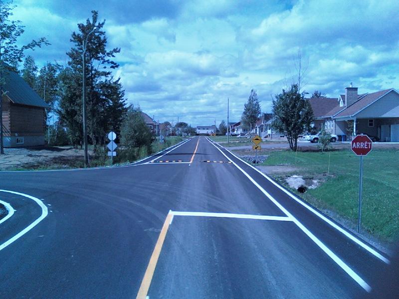 lignage de rue et piste cyclable